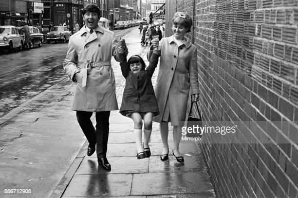 Jimmy Tarbuck in Great Yarmouth with his wife Pauline and their daughter Cheryl 5 Jimmy didn't know for sure at 4pm if he was getting the Palladium...