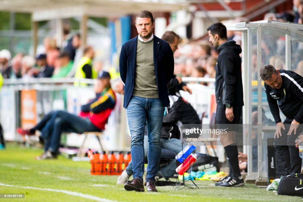 Jimmy Thelin, head coach of Jonkopings Sodra during the allsvenskan match between Jonkopings Sodra and BK Hacken at Stadsparksvallen on July 17, 2017 in Jonkoping, Sweden.