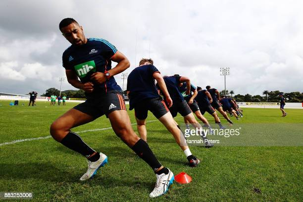 Jimmy Tupou takes part in a beep test with the team during an Auckland Blues Super Rugby pre season training session ahead of the 2018 Investec Super...
