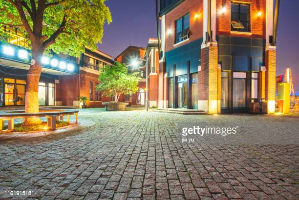 jinji lake commercial street with closed european style architecture at night - ヨーロッパ文化 ストックフォトと画像