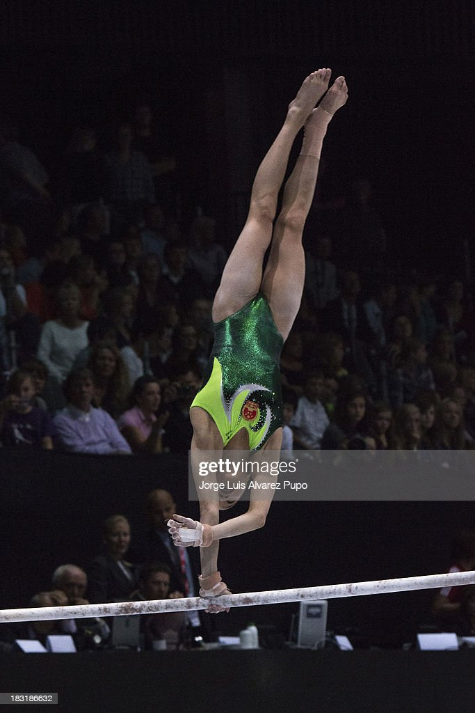Jinnan Yao of China competes in the Uneven Bars Final on Day Six of the Artistic Gymnastics World Championships Belgium 2013 held at the Antwerp Sports Palace on October 5, 2013 in Antwerpen, Belgium. Jorge Luis Alvarez Pupo/LatinContent/Getty Images)