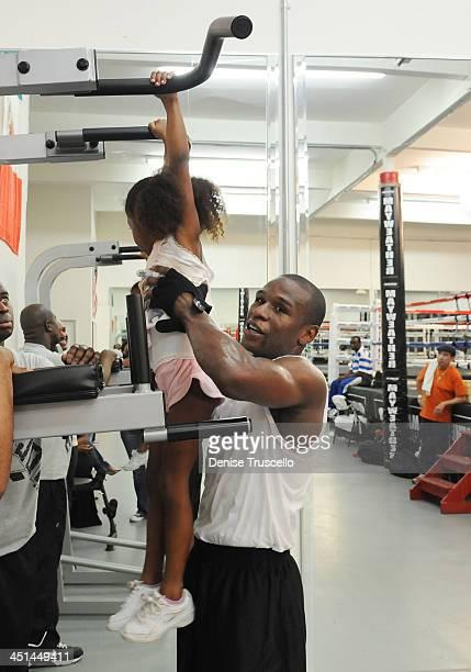 Jirah Mayweather and boxer Floyd Mayweather trains at Las Vegas Boxing Gym on June 11 2009 in Las Vegas Nevada