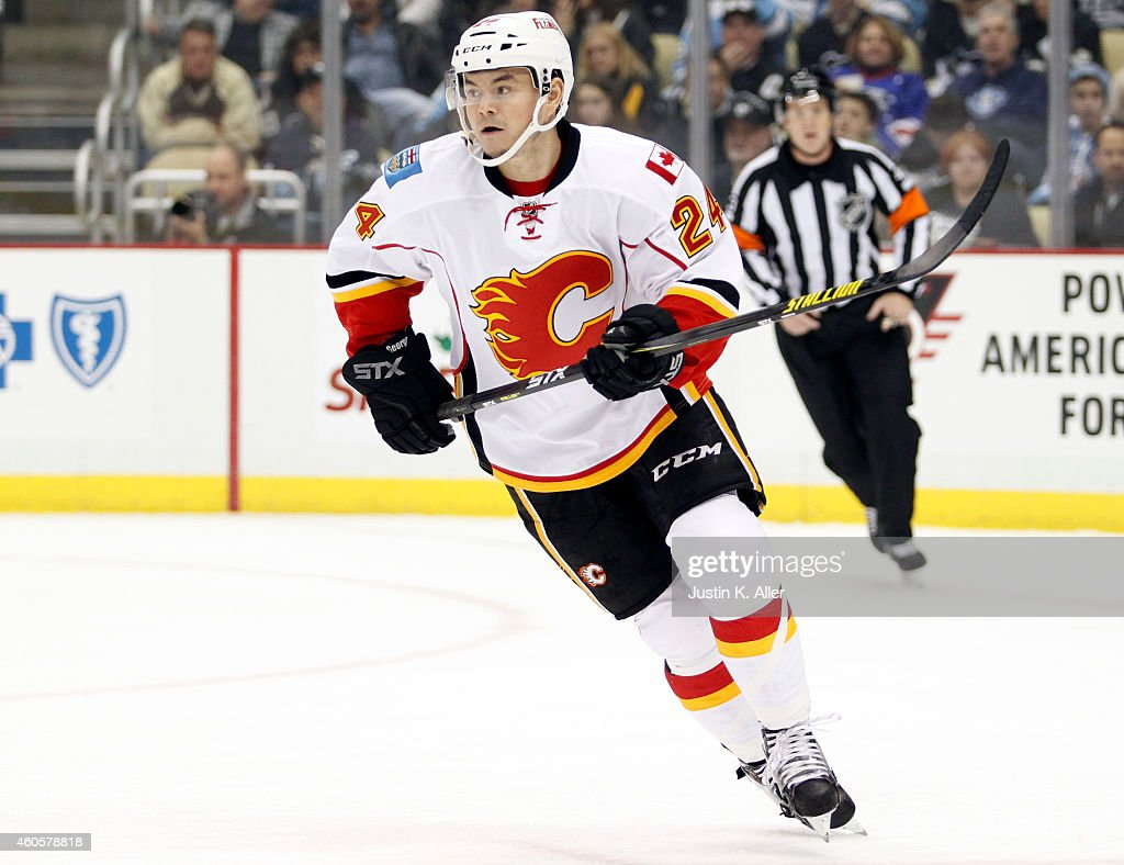 Calgary Flames v Pittsburgh Penguins : News Photo
