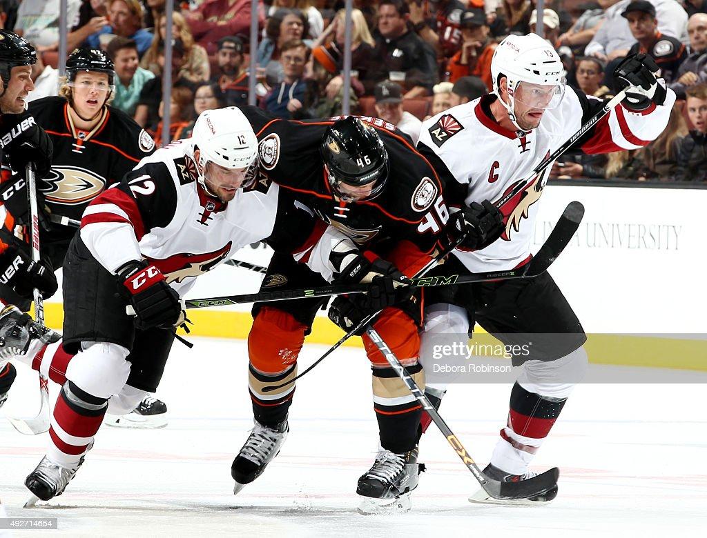 Arizona Coyotes v Anaheim Ducks : News Photo
