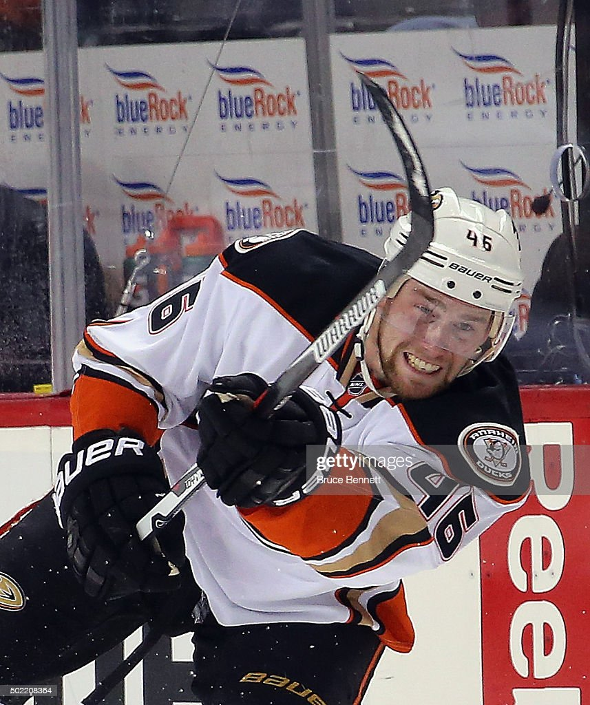 Anaheim Ducks v New York Islanders : News Photo