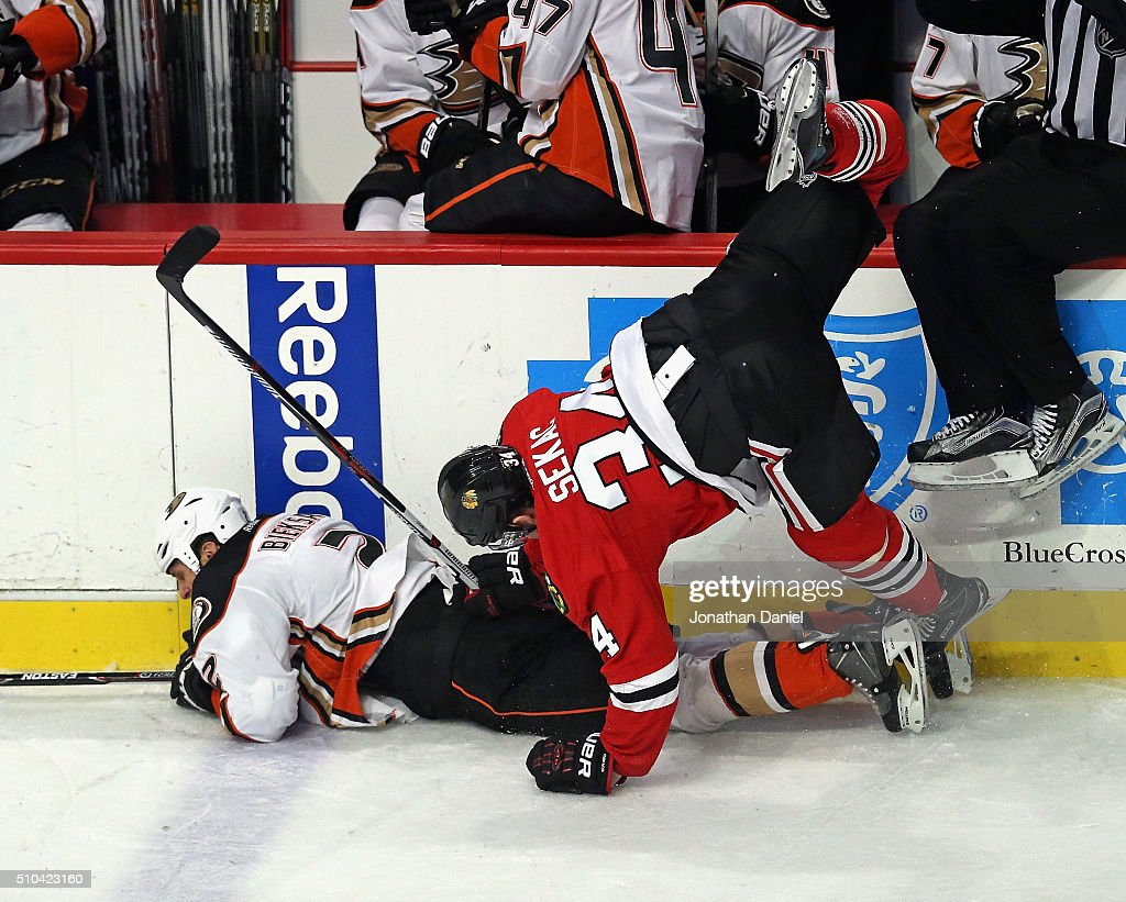 Anaheim Ducks v Chicago Blackhawks : News Photo