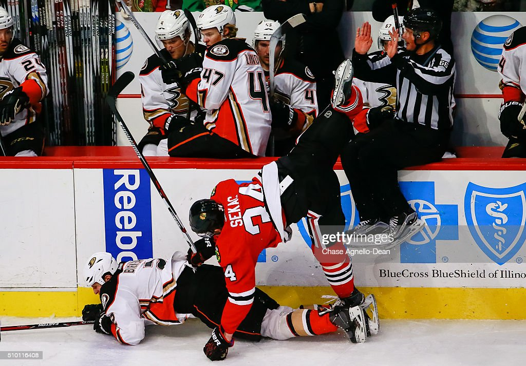 Anaheim Ducks v Chicago Blackhawks : News Photo