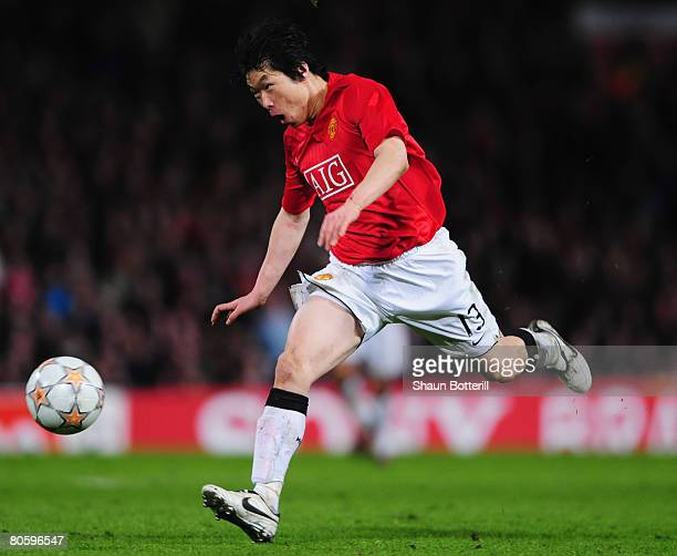 JiSung Park of Manchester United in action during the UEFA Champions League Quarter Final 2nd leg match between Manchester United and AS Roma at Old...