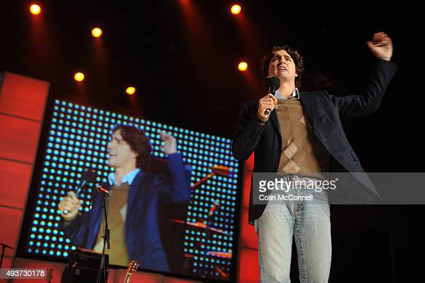 Jjustin trudeau speakingaround 8000 youth gathered for global change at free the childrens national me to we day speakers like mia farrow and justin...