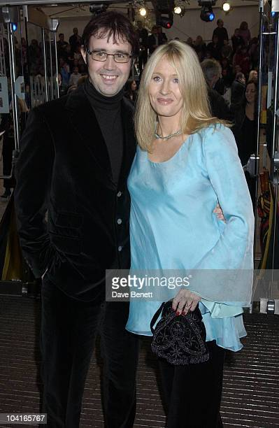 Jk Rowling And Husband Neil Murray Harry Potter And The Chamber Of Secrets World Movie Premiere Held At The Odeon Cinema In Leicester Square London