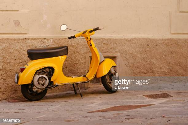 jla-lr-3402.jpg - moped stock photos and pictures