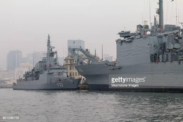 navio de escolta de júlio de noronha v32 na baía de guadabara, rio de janeiro - marinha - fotografias e filmes do acervo