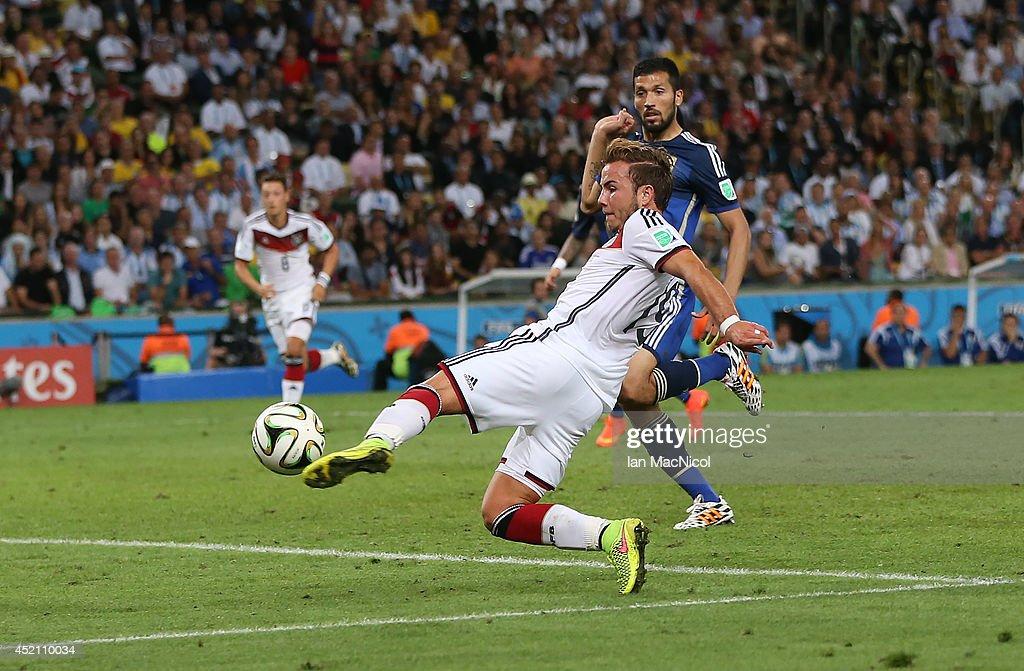 Germany v Argentina: 2014 FIFA World Cup Brazil Final : Fotografía de noticias