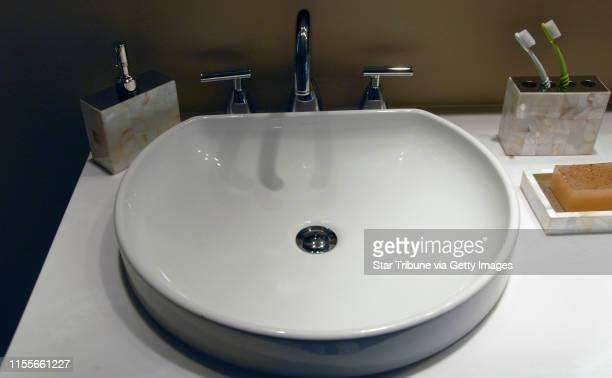MCLEISTER • jmcleister@startribunecom MinneapolisMn WedsNov 14 2007A raised sink is featured in the bathroom adjoining the master bedroom in the...