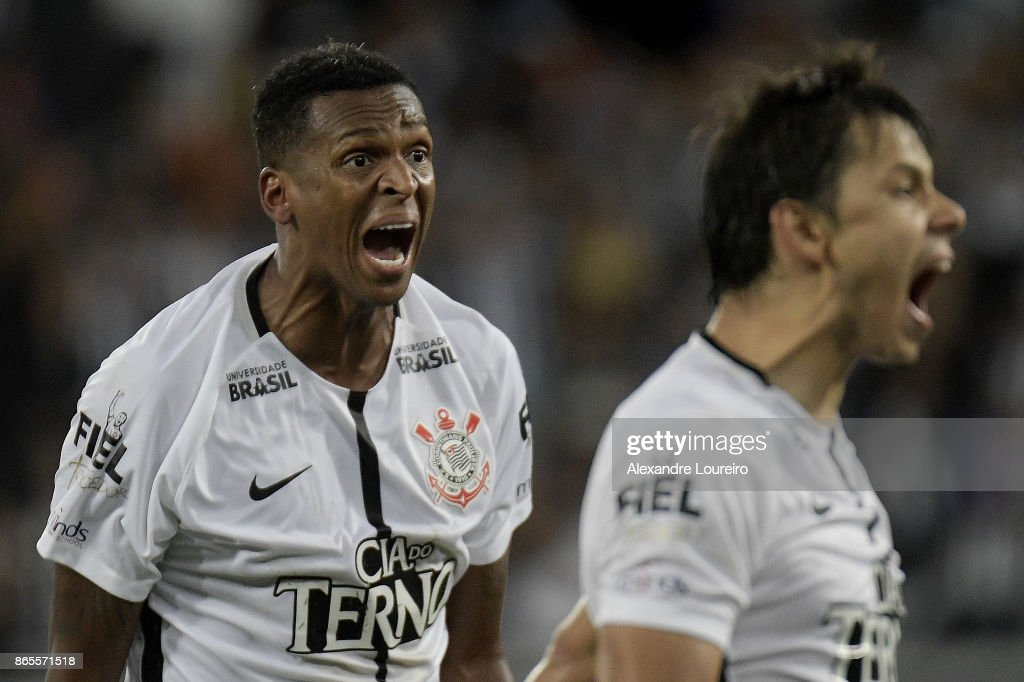 Jo (L) and Angel Romero of Corinthians react during the match between Botafogo and Corinthians as part of Brasileirao Series A 2017 at Engenhao Stadium on October 23, 2017 in Rio de Janeiro, Brazil.