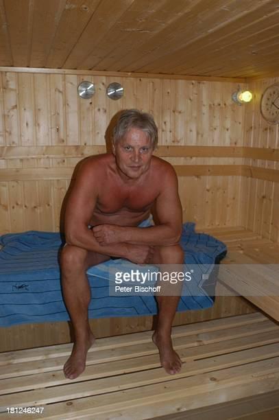 Jo Bolling Tochter SelinaMeret Bolling Homestory Kleinstadt nahe Frankfurt am Main Sauna Schauspieler Badehose Promis Prominente Prominenter