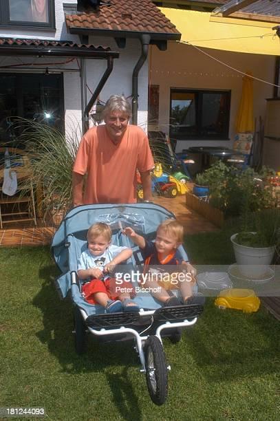 Jo Bolling Zwillingssöhne NoahHenry und LiamViktor Homestory Kleinstadt nahe Frankfurt am Main Schauspieler Kinderwagen KinderBuggy Familie Promis...