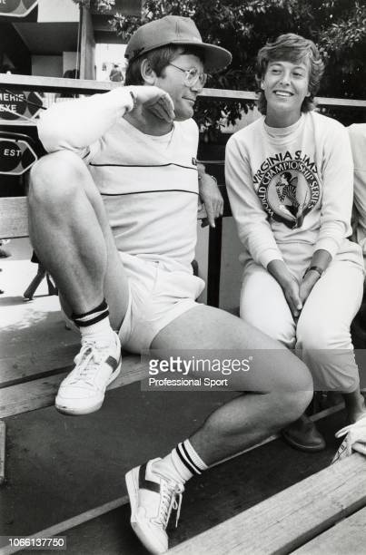 Jo Durie of Great Britain sitting with her coach Alan Jones during the French Open Tennis Championships at the Stade Roland Garros circa May 1983 in...