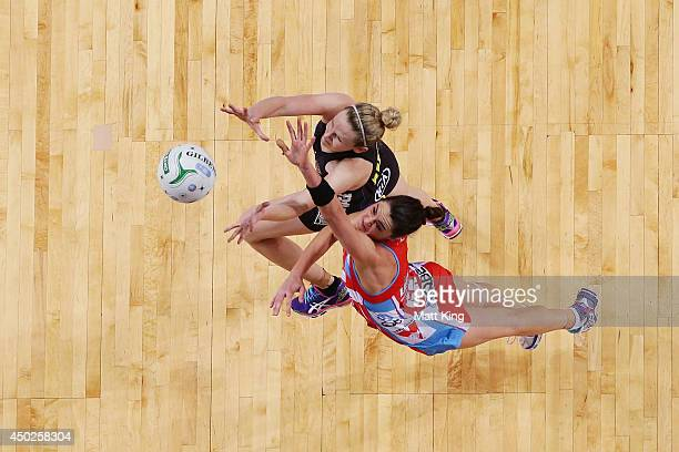 Jo Harten of the Magic competes with Sharni Layton of the Swifts during the ANZ Championship Minor Semi Final match between the Sydney Swifts and the...