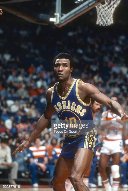 Jo Jo White of the Golden State Warriors in action against the Washington Bullets during an NBA basketball game circa 1979 at the Capital Centre in...