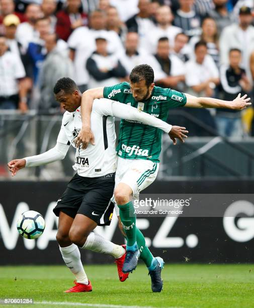 Jo of Corinthians and Edu Dracena of Palmeiras in action during the match between Corinthians and Palmeiras for the Brasileirao Series A 2017 at...