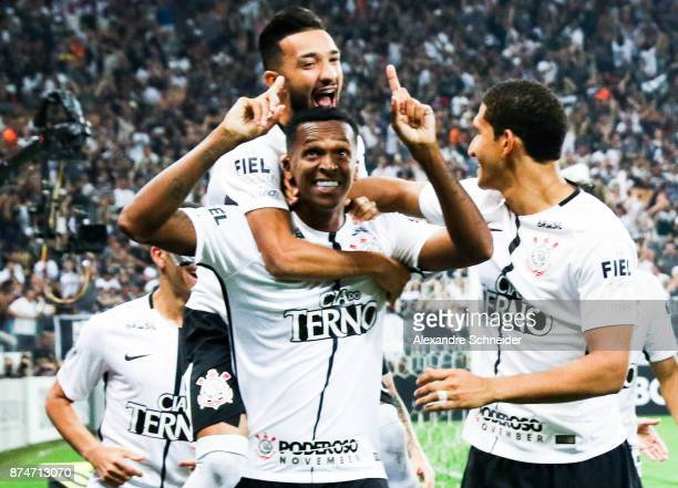 Jo of Corinthians celebrates with his teammates after scoring their first goal during the match against Fluminense for the Brasileirao Series A 2017...