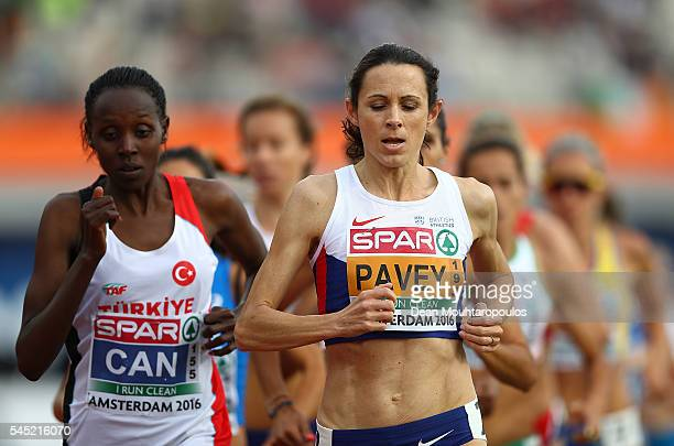 Jo Pavey of Great Britain in action during the womens 10000m on day one of The 23rd European Athletics Championships at Olympic Stadium on July 6...
