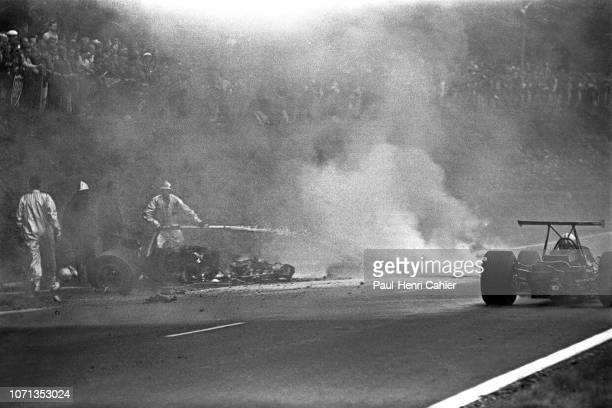 Jo Schlesser Honda RA302 Grand Prix of France RouenLesEssarts 07 July 1968 The awful accident of Jo Schlesser during the 1968 French Grand Prix in...