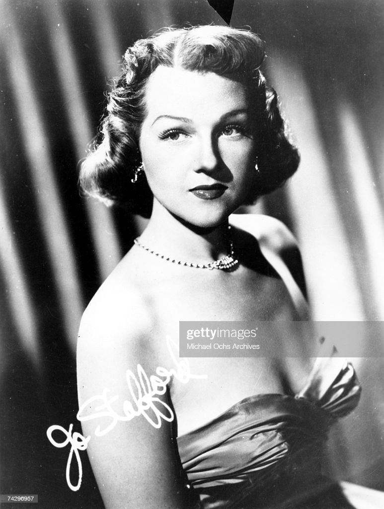 Jo Stafford (1917-2008) poses for a portrait circa 1950 Photo by Michael Ochs Archives/Getty Images