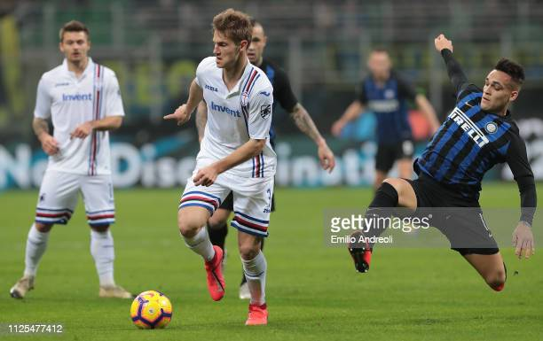 Joachim Andersen of UC Sampdoria is challenged by Lautaro Martinez of FC Internazionale during the Serie A match between FC Internazionale and UC...