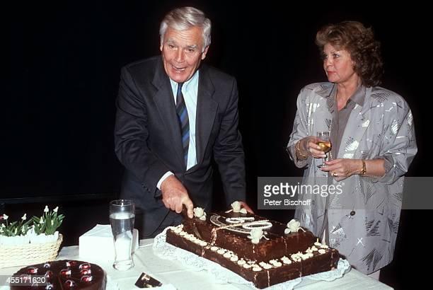 """Joachim """"Blacky"""" Fuchsberger, Ehefrau Gundula, Feier zum 60. Geburtstag am in München, Deutschland."""