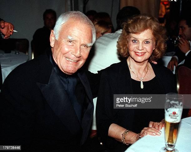 Joachim Fuchsberger mit Ehefrau Gundula ARDDie Nacht der Stars Verleihung vom Deutschen Bundesfilmpreis