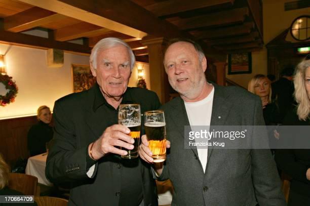 Joachim Fuchsberger Und Joseph Vilsmaier Bei Party Nach Der Premiere Zum Kinofilm Bergkristall In München Am 141104