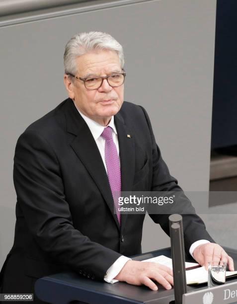 Joachim Gauck der elfte Bundespräsident der Bundesrepublik Deutschland Deutschland Berlin Deutscher Bundestag Plenarsaal Vereidigung des neuen...