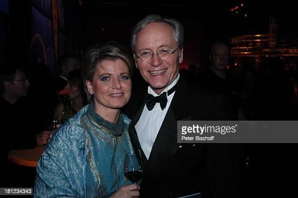Joachim Hermann Luger Andrea Spatzek AftershowParty nach Verleihung Deutscher Fernsehpreis 2004 Köln ColoneumMall Feier Schauspieler Schauspielerin...