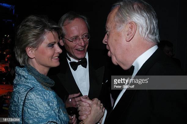 Joachim Hermann Luger Andrea Spatzek Wolfgang Rademann AftershowParty nach Verleihung Deutscher Fernsehpreis 2004 Köln ColoneumMall Feier...