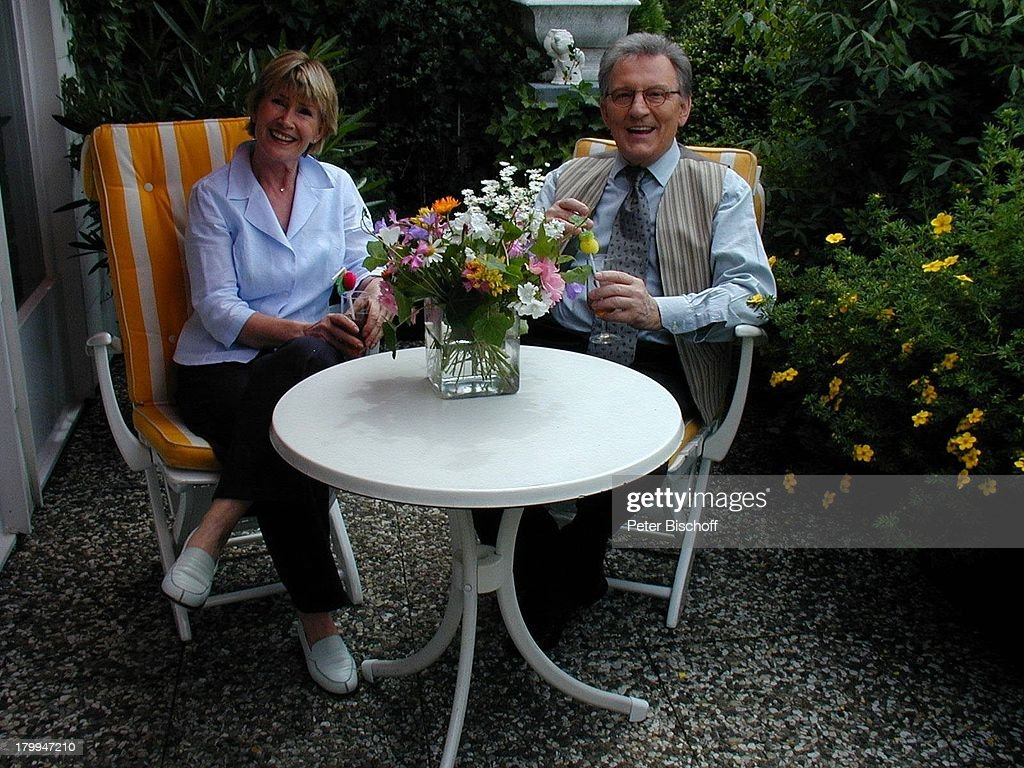 Joachim \'Jo\' Brauner, Ehefrau Ann,;Homestory, Hamburg, Garten, C ...