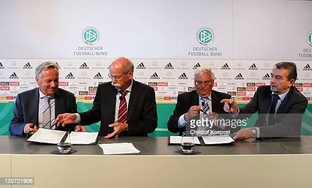 Joachim Schmidt, distribution and marketing manager of Mercedes-Benz, Dieter Zetsche, chairman of the board of Mercedes-Benz, Theo Zwanziger,...