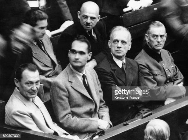 Joachim von Ribbentrop Wilhelm Keitel et Fritz Sauckel sur le banc des accusés au procès de Nuremberg en 1945 à Nuremberg en Allemagne