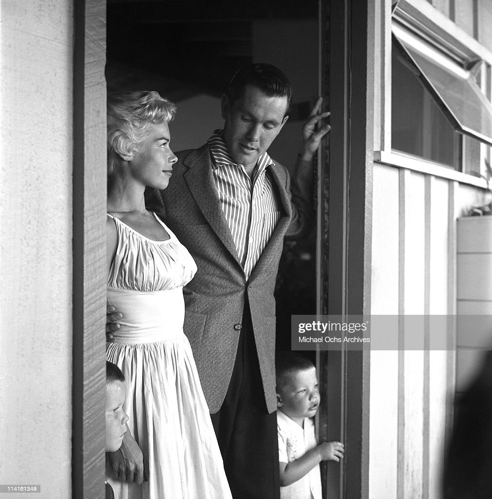 Johnny Carson And Joan : News Photo