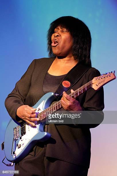 Joan Armatrading aufgewachsen in Birmingham England Britische RB Rock und FolkSingerSongwriterinJoan´s last major tour and first soloTourKantine Köln