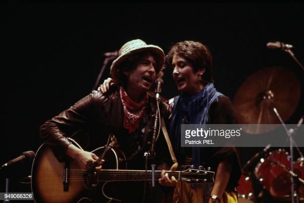Joan Baez et Bob Dylan en concert à Hambourg le 1er juin 1984 Allemagne