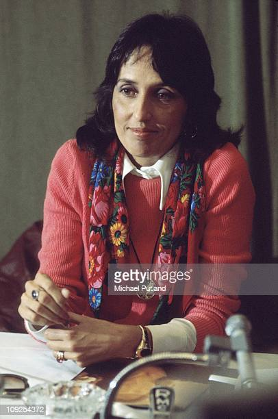 Joan Baez portrait London 1975