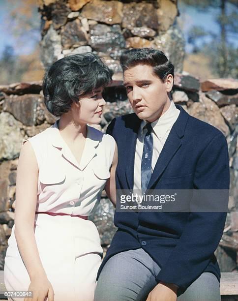 Joan Blackman and Elvis Presley in Kid Galahad