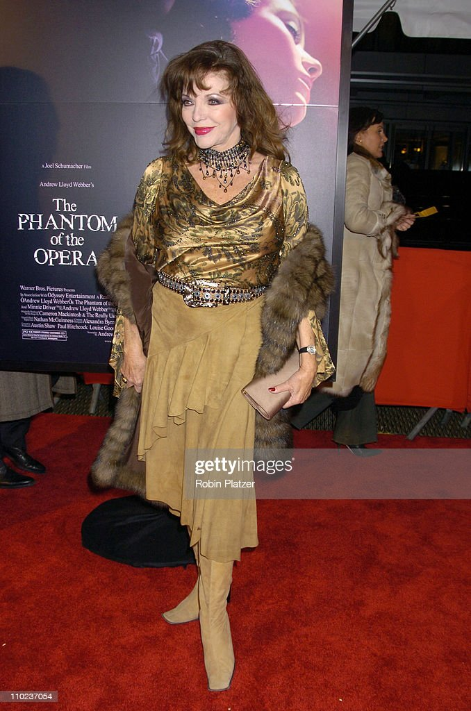 joan collins during premiere of 39 the phantom of the opera 39 new york photo d 39 actualit. Black Bedroom Furniture Sets. Home Design Ideas