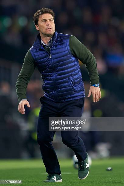 Joan Francesc Ferrer 'Rubi' Manager of Real Betis looks on during the La Liga match between Real Betis Balompie and RCD Mallorca at Estadio Benito...