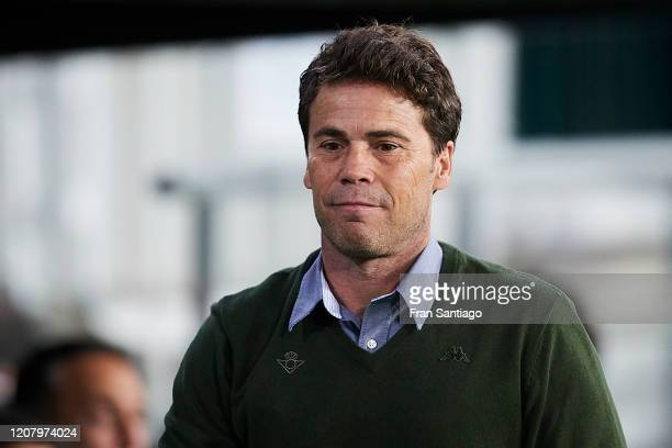 Joan Francesc Ferrer Rubi Manager of Real Betis looks on prior to the Liga match between Real Betis Balompie and RCD Mallorca at Estadio Benito...