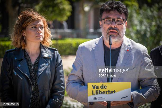 Joan Josep Nuet candidate of the Soberanistas political group accompanied by Elisenda Alemany seen speaking during the electoral campaign. The...
