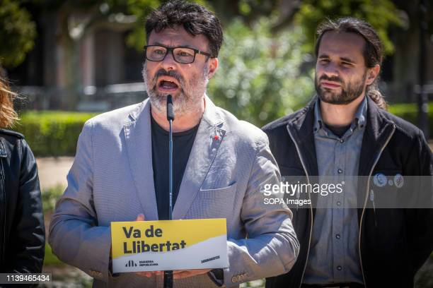 Joan Josep Nuet candidate of the Soberanistas political group accompanied by Joan Ignasi Elena seen speaking during the electoral campaign. The...