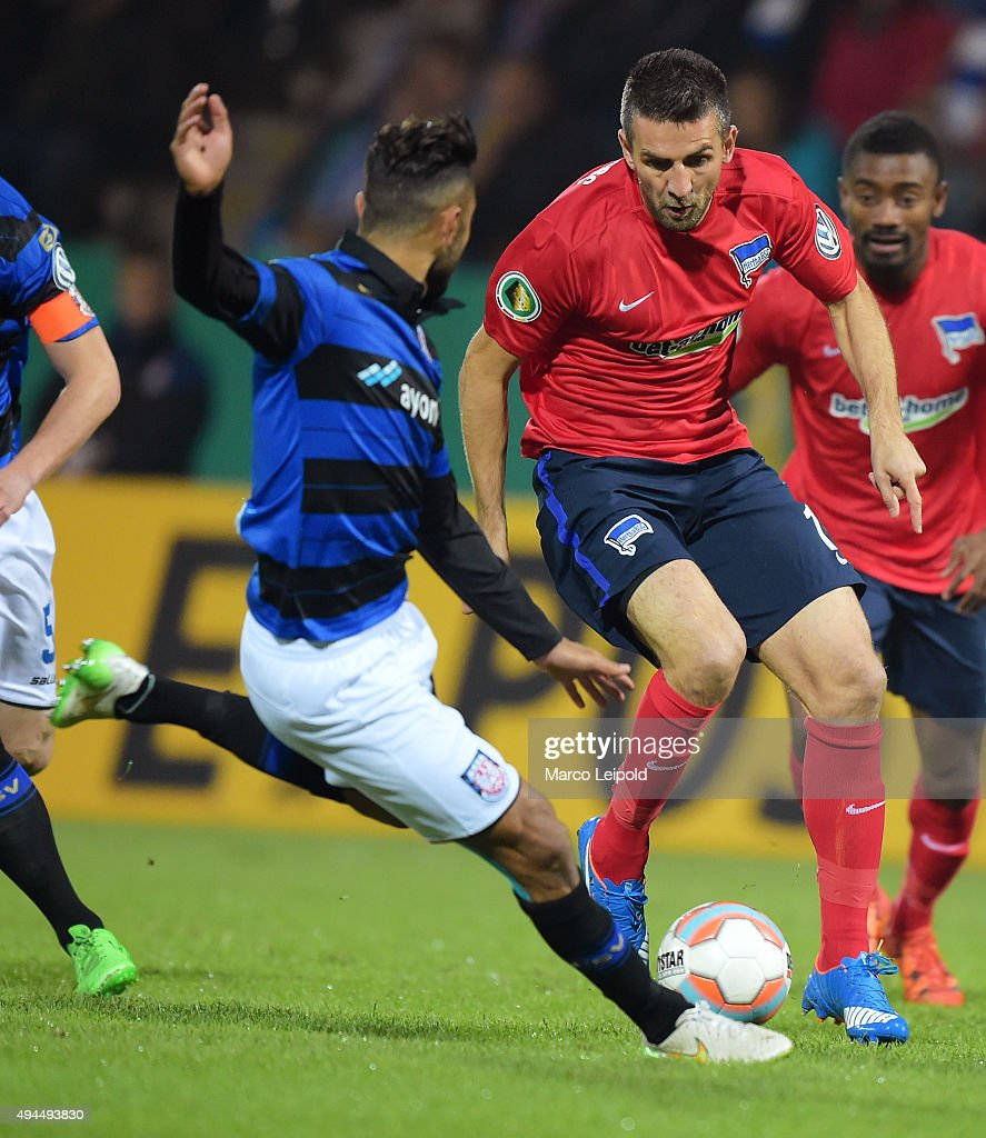 Joan Oumari of FSV Frankfurt and Vedad Ibisevic of Hertha BSC during the game between FSV Frankfurt and Hertha BSC on october 27, 2015 in Frankfurt on Main, Germany.